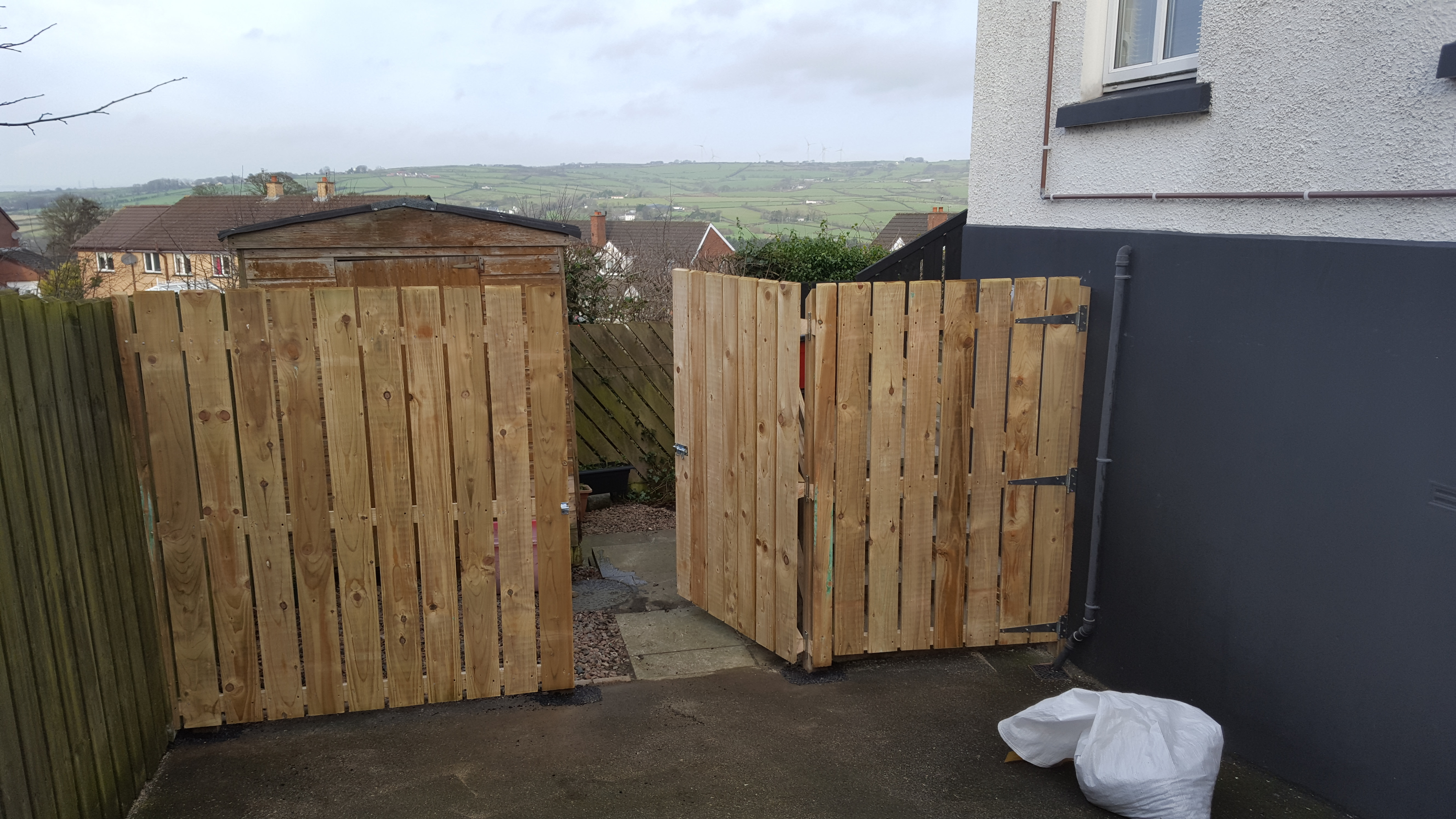 Wooden Fence & Gate Project